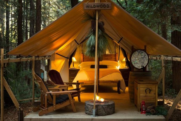 What is glamping? Glamping a fancy version of camping. Top creative camping ideas to enjoy luxurious outdoor living. Big Sur Glamping, What Is Glamping, Tent Camping, Camping Hacks, Outdoor Camping, Camping Ideas, Glamping Tents, Camping Con Glamour, Bungalow