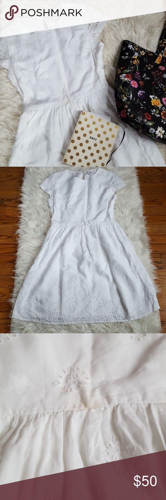 Vineyard Vines white eyelet dress Vineyard Vines  Size 0 Dress  Perfect for weddings  Price is FIRM 🌵🌵🌵🌵 Vineyard Vines Dresses Mini