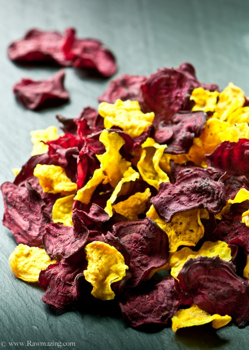 Raw beetroot crisps / Raw beet chips / Chips de betterave / Peedikrõpsud (toortoit) (by Susan @ RawMazing)