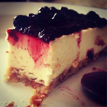 Oh Yes, that One The #dairyfree #cheesecake that does not need to be introduced anymore… #raw #vegan #blueberry #no-Cheesecake #organic #food  أوه نعم , إنها هِــيه التشيزكيك # خاليه من المشتقات اللبنية # لا داعي من التعريف بها  مرة أخرى  التوت # النباتي # الصافي # ليست تشيز كيك # الأطعمة # العضوية