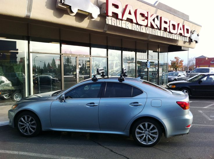 Lexus IS250 featuring a Thule 480 setup and a Thule