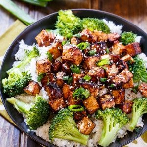 Asian Garlic Tofu cooks up crispy with tons of salty, sweet, and spicy flavor. Serve with broccoli and rice for a fantastically delicious vegetarian meal. My daughter has been a vegetarian for 2 years. Or maybe it has been 3 years. I can't even remember. Every now and then I like to share some …