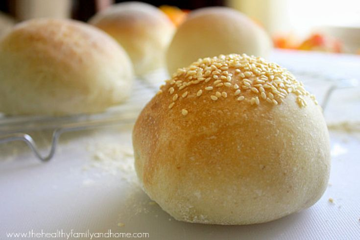 How to Make Homemade Vegan Hamburger Buns | Karielyn Tillman- December 6, 2013