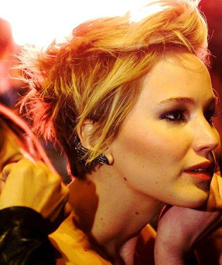 20 Pixie Haircuts: Trendy Short Hairstyles: # 12. Jennifer Lawrence Pixie Haircut: Short Hair