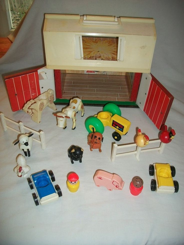 FISHER PRICE Vintage 1967 PLAY FAMILY FARM #915 Ferme + animaux + personnages