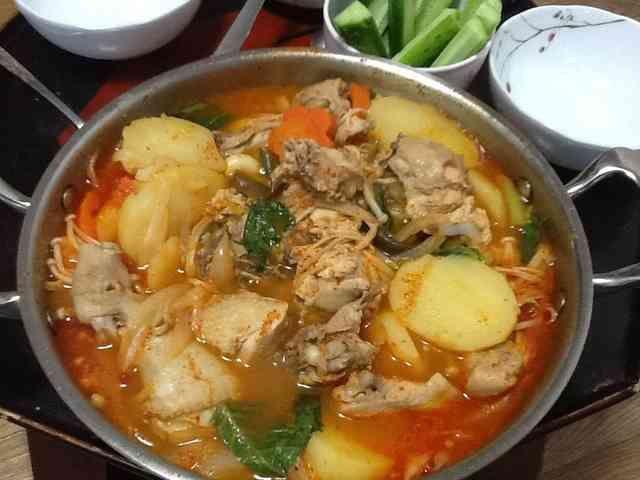 韓国料理☆タットリタン(鶏の辛鍋)の画像