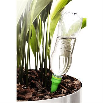 With Herb self-watering system you don´t have to water the plants because now they look after themselves and take water when they need it. All you need to do is to connect the system to a PET bottle with water and you're done, simply and effectively!