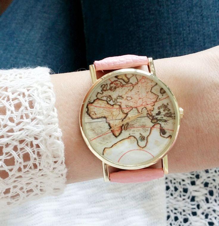 Des idées cadeaux montre femme pour offrir à votre maman. Faites lui plaisir à petits prix. Des montres femme chic et et tendance.