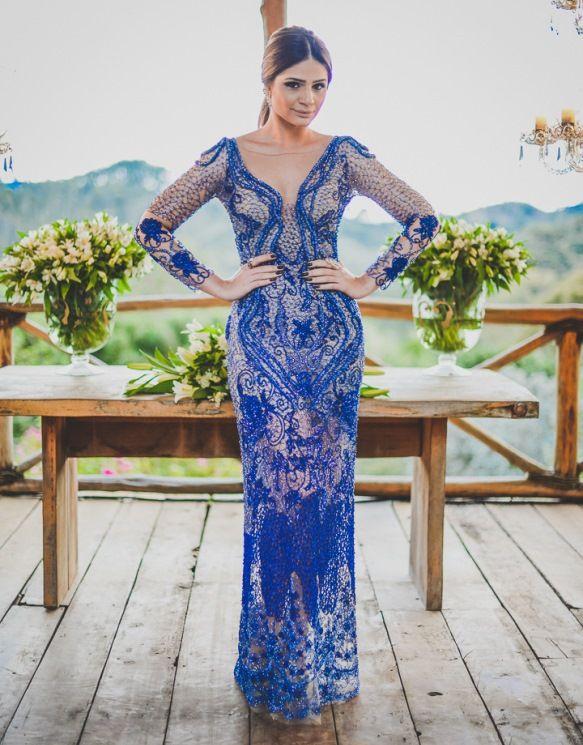 vestido de festa azul manga longa bordado