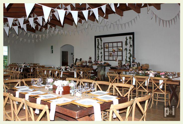 Mobiliario, organización, decoración, banquete todo para tus fiestas temáticas!  Country party! www.facebook.com/pmasideco