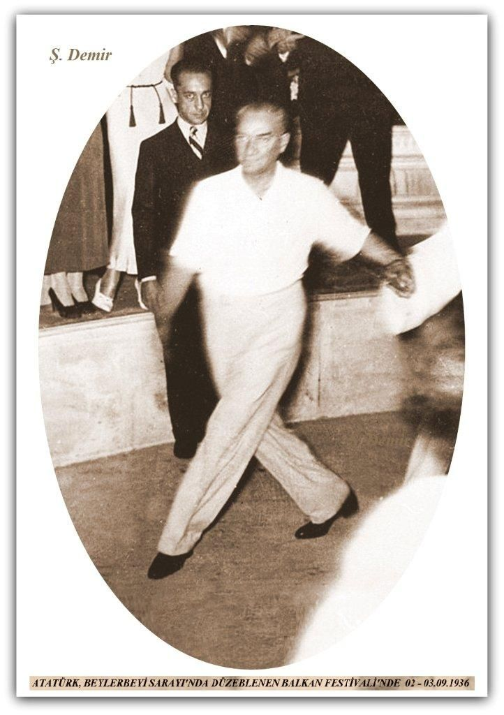 Atatürk Balkan festivalinde. 02-03.09.1936