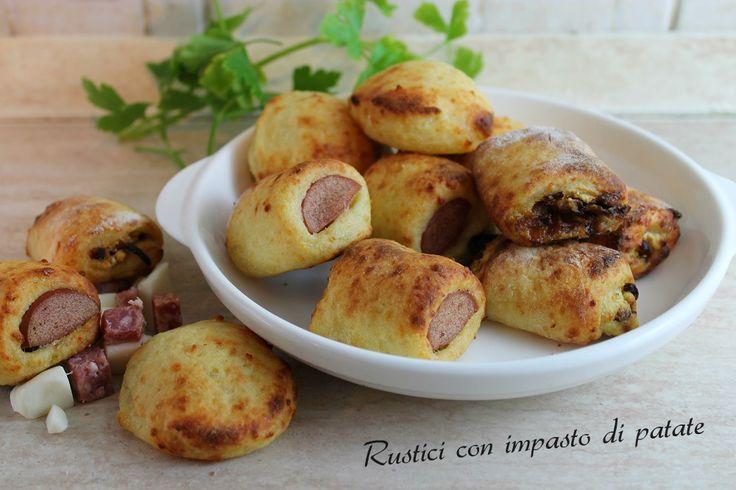 I rustici misti con impasto di patate sono rustici morbidi e gustosi, che soddisfano tutti i gusti di adulti e bambini.
