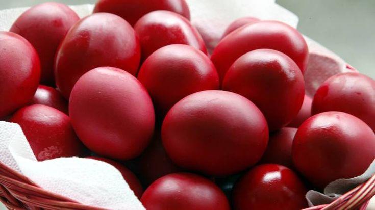 Γιατί βάφουμε κόκκινα τα αυγά τη Μεγάλη Πέμπτη !!!