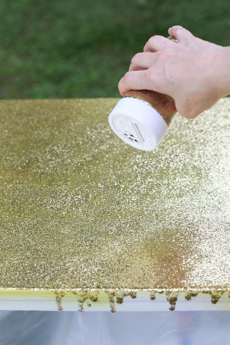 Going to add a top layer of glitter/resin to my craft room tables <3