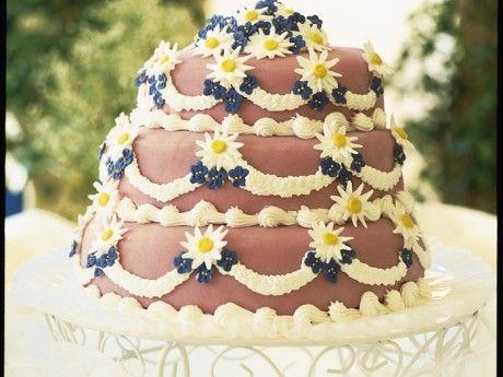 Bröllopstårta i ljusrosa från Allt om mat