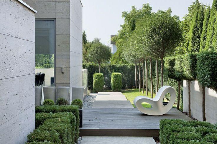Projekt ogrodu dla znanej projektantki mody. Projekt i realizcja: lengiewicz-charkiewicz.com (źródło: Planete Deco)