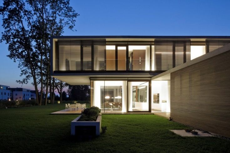 Dietrich Untertrifaller Architects - LK House in the town of Hard, Austria.