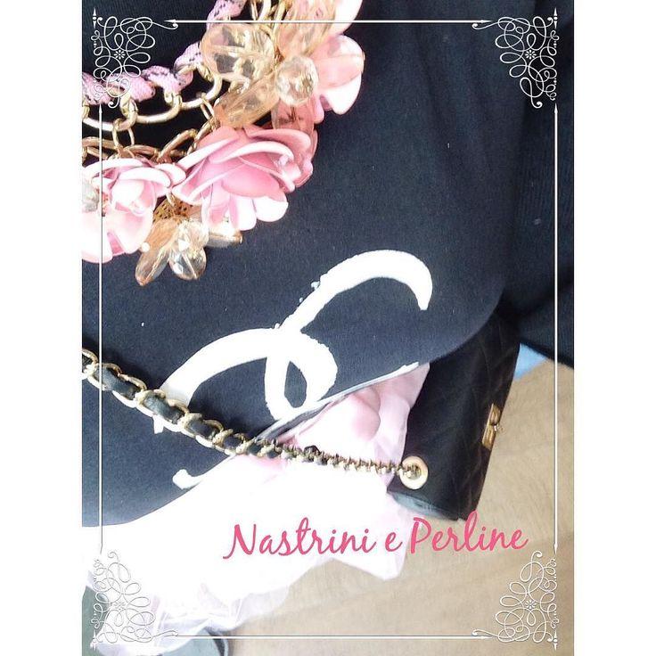 Romantic mood  #nastrinieperline #nastrinieperlineshop #frascati #grottaferrata #albanolaziale #stile #shoppingonline #roma  #cuori #fashion #fashionista #fashionstore #fashionblogger #solocosebelle #solocosecarine #cuteshop  #moda #tshirt #collana #spring #bijoux #gioielli #jewels #shoppingfrascati  #iloveshopping #instafashion #outfit igers by nastrinieperlineshop
