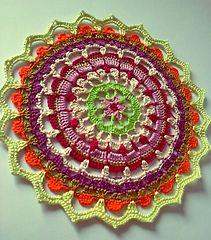 Mandala Petalos ~ free pattern ᛡ