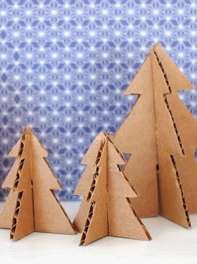Fabriquez une forêt de sapins en carton pour décorer votre maison à Noël