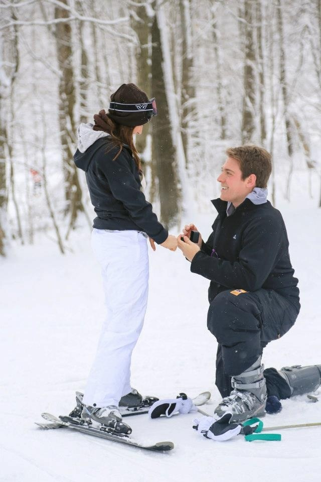 Ski proposal. Just don't drop the ring in the snow!