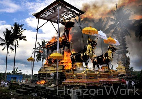 The real Bali's Ngaben ceremony