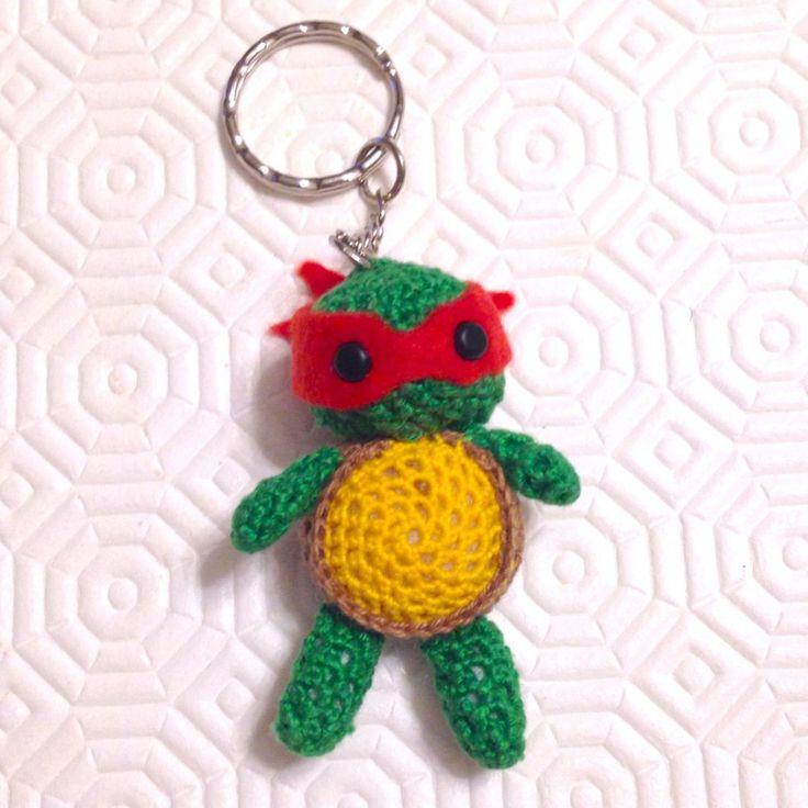 Tartaruga ninja Raffaello amigurumi, portachiavi, fatta a mano all'uncinetto , by La piccola bottega della Creatività, 10,90 € su misshobby.com