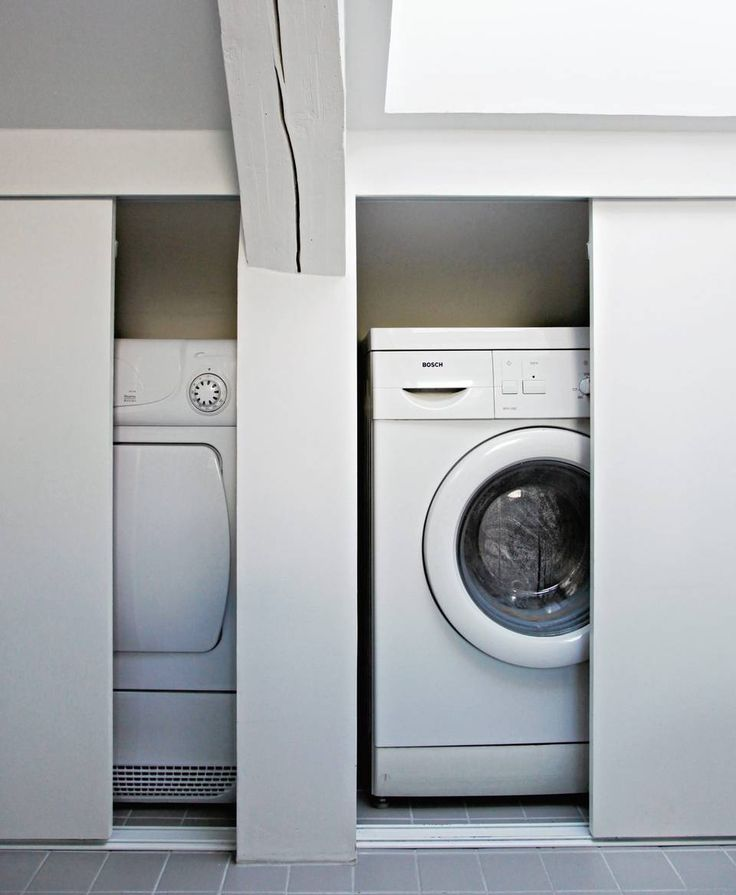 SMART LØSNING Vaskemaskin og tørketrommel er skjult bak