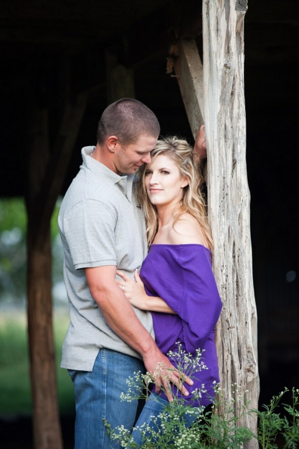 Texas Country Engagement Pictures. I do believe I know this couple they are so cute together.