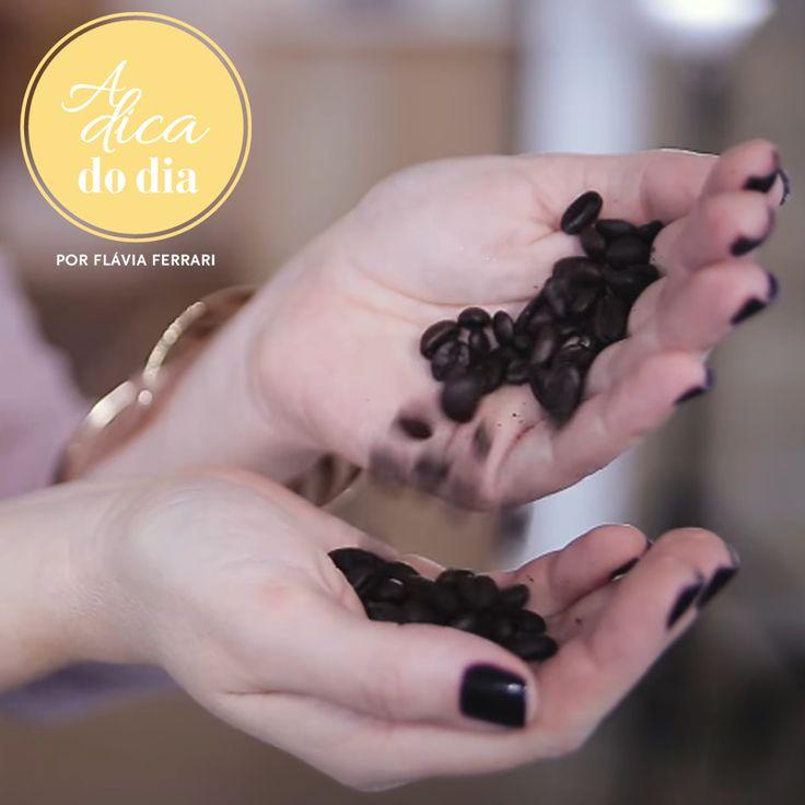 Tudo sobre café: confira 10 dicas sobre café: como armazenar, como preparar o café perfeito para uma pessoa, como evitar que o café fique pesado e menos saboroso, como escaldar xícaras, bules e filtro de papel e muito mais. Todas as dicas clicando na #aDicadoDia com Flávia Ferrari | #aDicadoDia