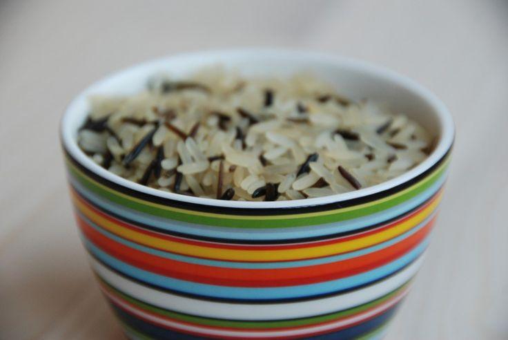 Hvor lang tid skal ris koge/hvad er den korrekte kogetid på ris? Og hvor meget ris skal man beregne pr. portion? Hvor meget salt skal ris have? Her giver vi dig vejledende svar på alt om kogte ris.…
