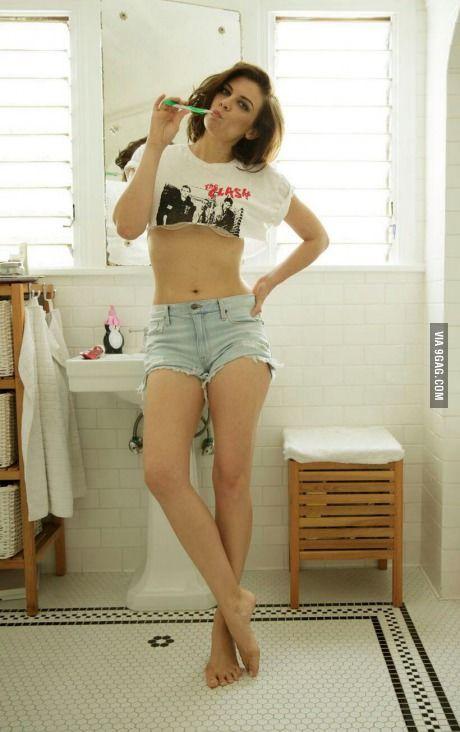 Naked hot teen girl pussy fingering