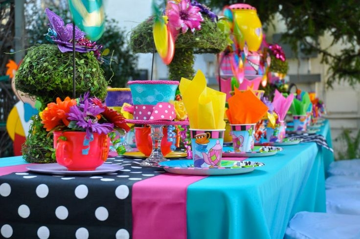 54 best alice in wonderland sweet 16 images on pinterest for Mad hatter party props