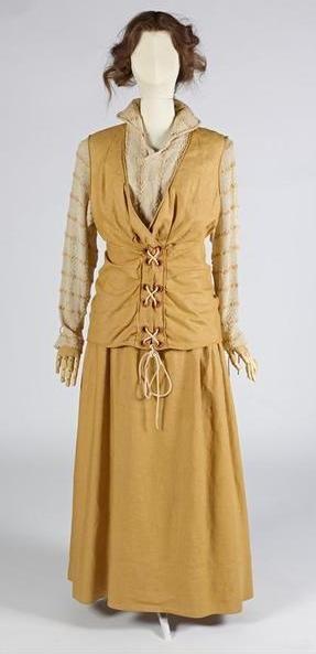 1916 - Dutch (Unknown.) Cotton, wool.