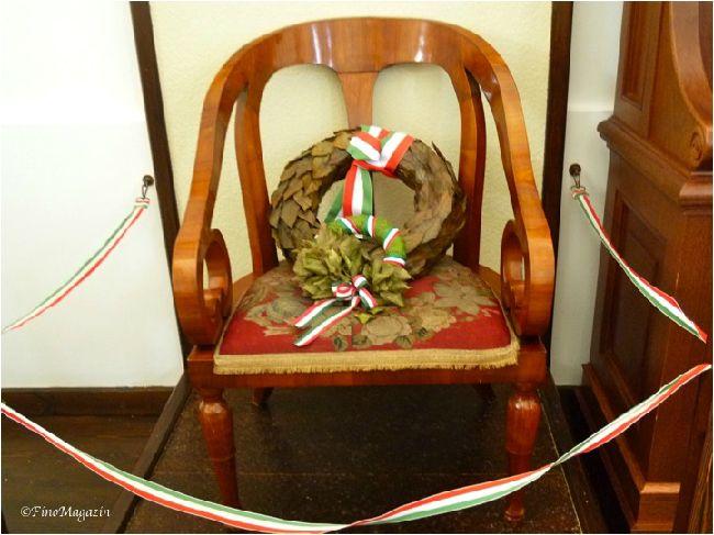 コシュート・ラヨシュが実際に腰掛けた椅子 photo by ©FinoMagazin