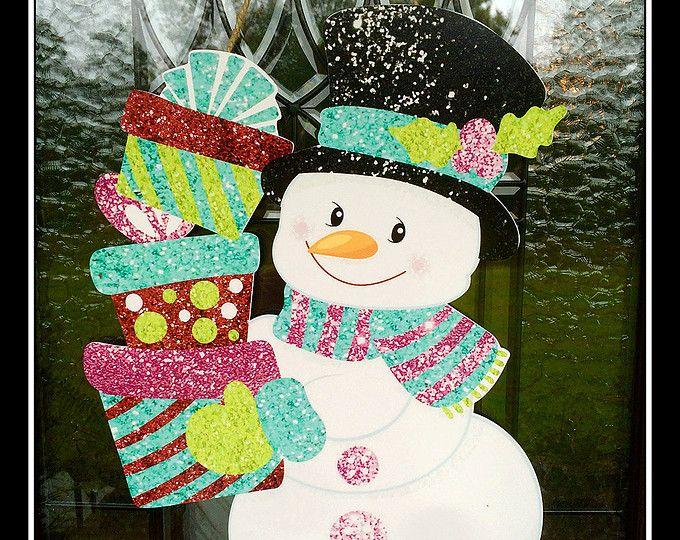 M s de 25 ideas nicas sobre puerta de mu eco de nieve en for Puertas decoradas con guirnaldas