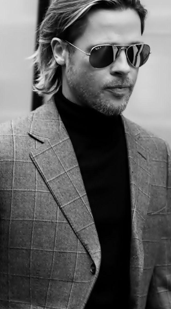 Brad Pitt e seus óculos de sol aviador! Super moderna e estilosa, a peça nunca…                                                                                                                                                                                 Mais