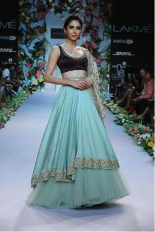 Sarees, Lehengas, Wedding Dresses, Choli - Indianweddingsarees ...