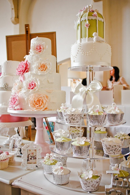 Midlands Vintage Chic Wedding Fair @ The Old Library (7 of 116) by Keith Bloomfield, via Flickr