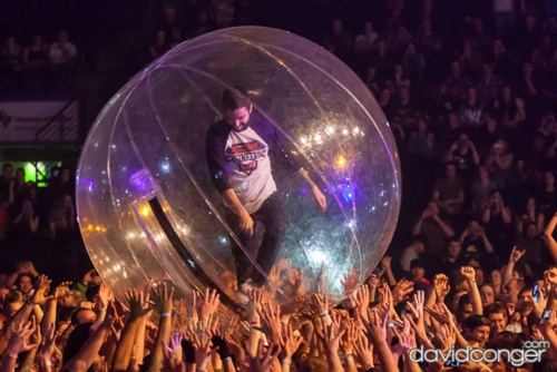 Jeremy from #ADayToRemember in the crowd ball. Who wouldn't love to have the opportunity to do this?
