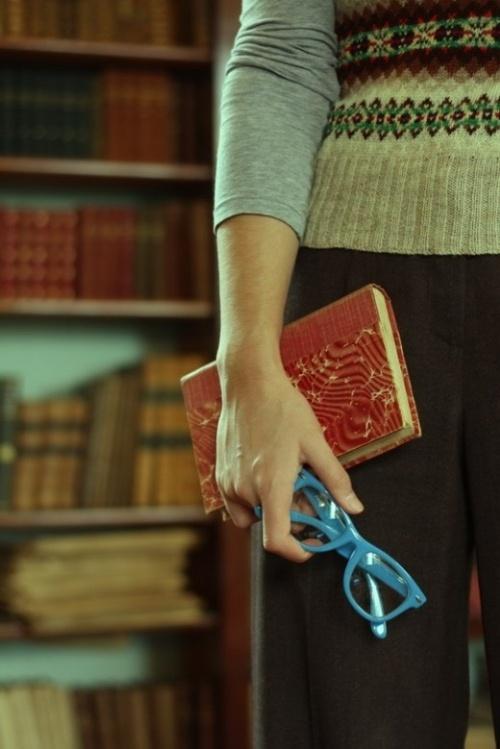 bg:room, blue, book, books, fashion, geek