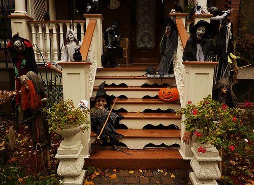 montreal halloween decorations