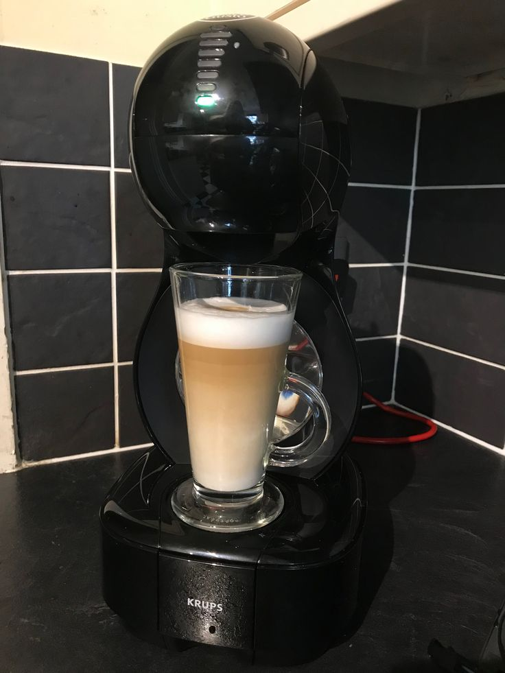 The Lumio Automatic Coffee Machine is a compact pod coffee machine which will suit the smallest of kitchens, with a minimalist design and over 30 varieties of coffee pods to choose, from espressos and cappuccinos, to skinny lattes & hot chocolates. #CoffeePods