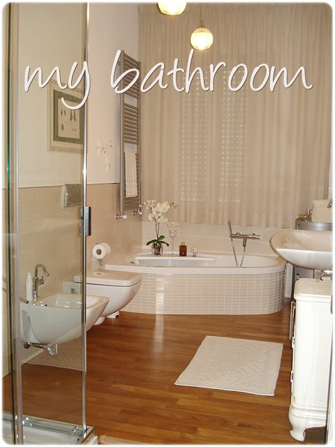 68 best bagno master images on pinterest shower screen walk in shower enclosures and architects - Bagno con parquet ...
