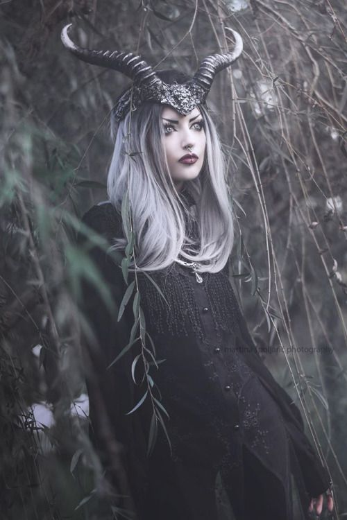 Model: Obsidian KerttuHeadpiece and necklace: Hysteria MachineWig: Black Candy FashionPhoto: Martina Špoljarić photography Welcome to Gothic and Amazing |www.gothicandamazing.org