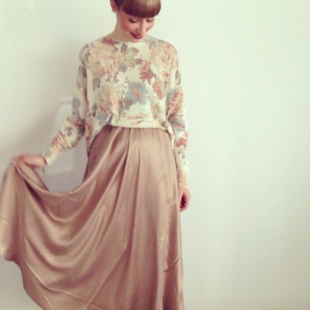gonne rosa e peonie   #officina34 #retróscena #sochic #sosweet #picoftheday #lookoftheday #tagsforlike #love #loveit #love #lovemywork #styling #style #peonia #pink #rosa #inspiration #instafashion #instalove #instacool #fashion #mesdemoiselles #outfit #trends #flower #barbie #romantic #foligno