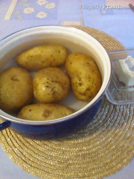 Ako predísť rozvareniu zemiakov....... http://napady.pravda.sk/navody/ako-predist-rozvareniu-zemiakov/60141-navod.html