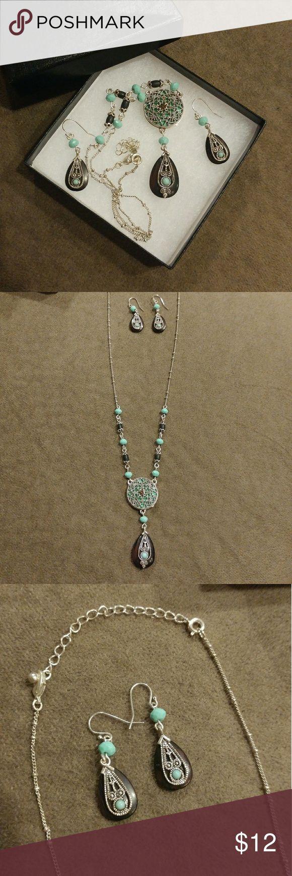 { Apricot Lane } Turquoise-N-Woods Set ...description soon! Jewelry