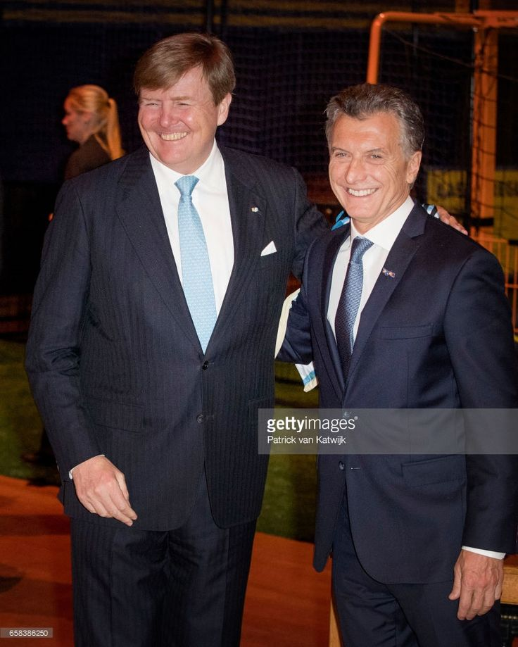 King Willem-Alexander and President Mauricio Macri of Argentina visit the Hockey Clinics in the Beurs van Berlage on March 27, 2017 in Amsterdam, The Netherlands. The President of Argentina is in the Netherlands for a two-day official state visit.