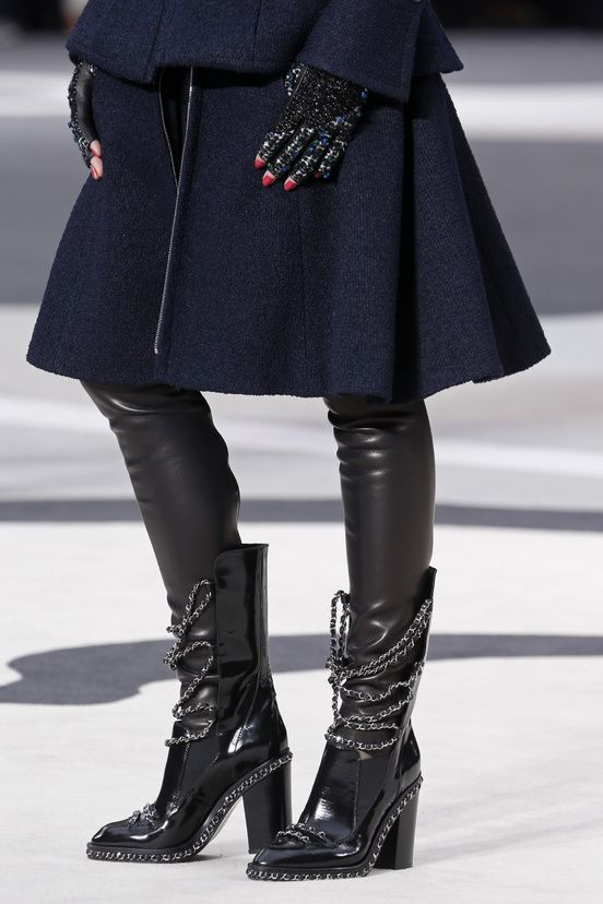 chanel fall winter ready to wear 2014 chain dark boots